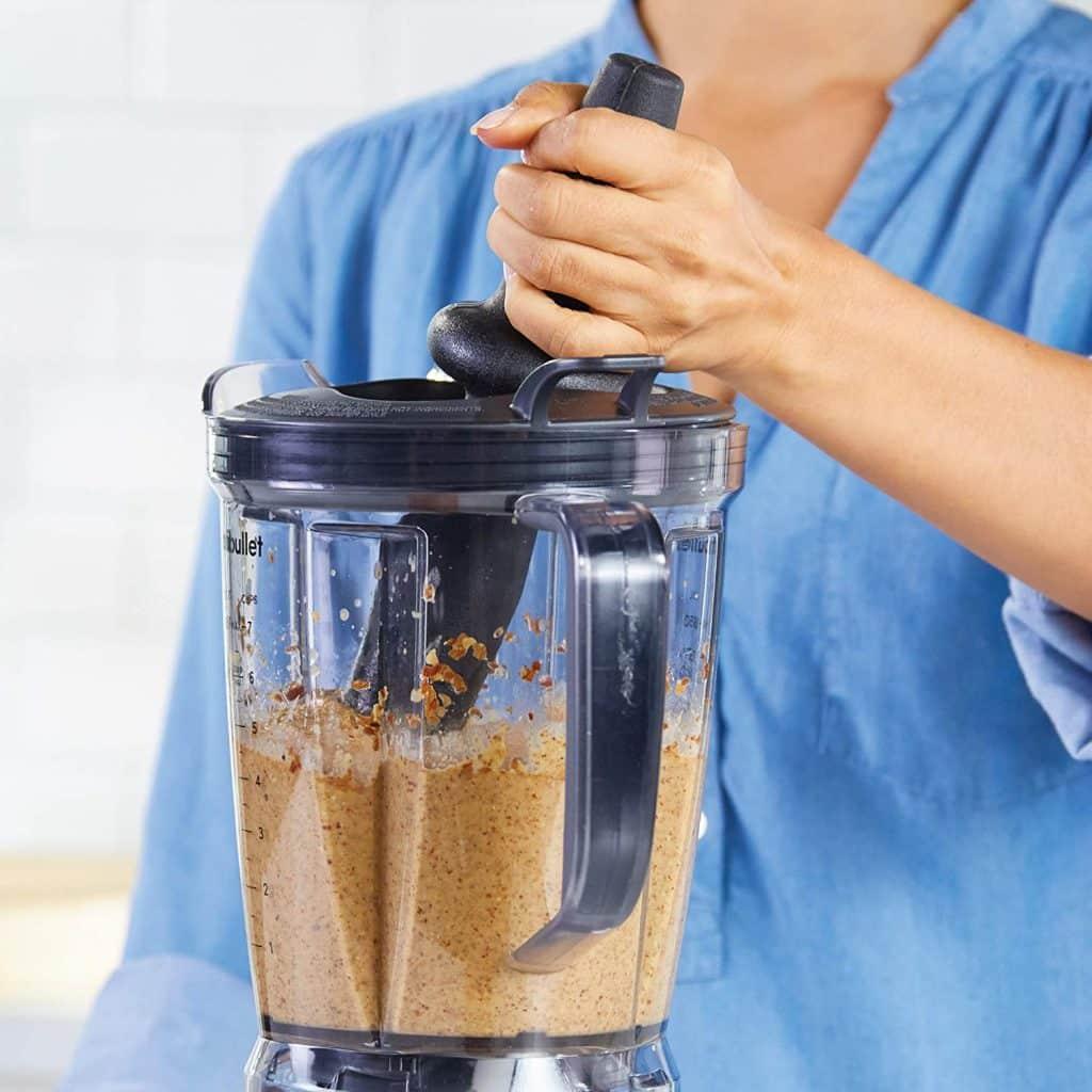 A high quality blender makes smoothie recipes easy